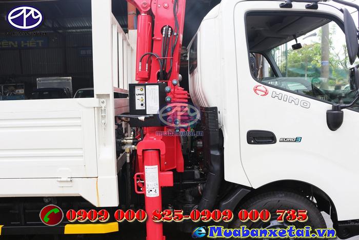 Xe tải hino 6.4 tấn điều khiển cẩu UNIC