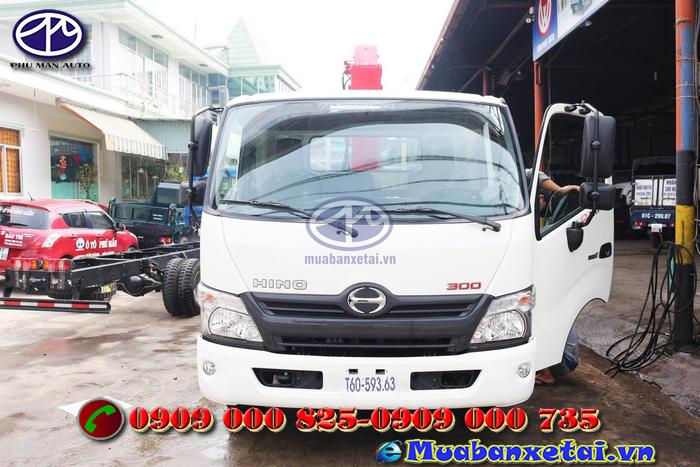 Gương chiếu hậu xe tải Hino FC9JLSW 6.4 tấn gắn cẩu UNIC URV340 3 tấn