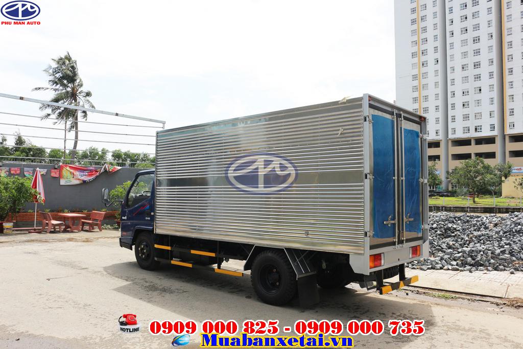 Xe tải iz49 thùng kín an toàn khi đi trong thời tiết xấu