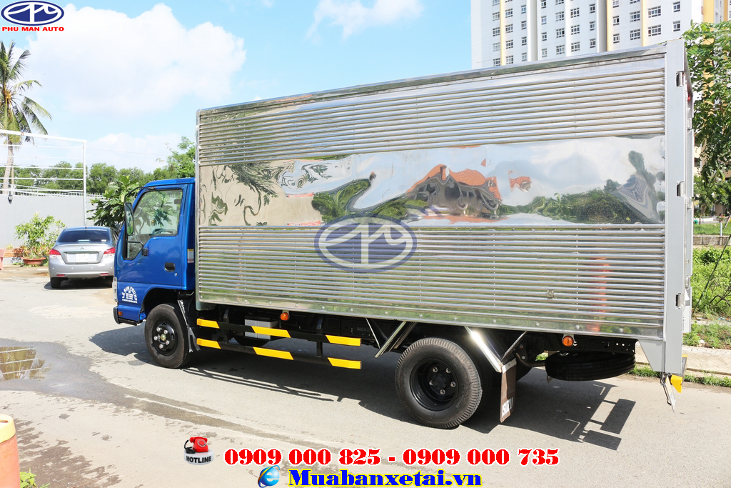 Ngoại thất xe tải Isuzu 1.9 tấn thùng kín QKR270