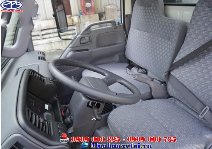 Nội thất xe tải Isuzu 2.3 tấn thùng kín QKR77HE4