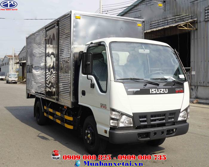 Xe tải Isuzu 2.3 tấn thùng kín QKR77HE4