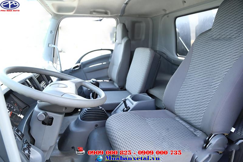 Nội thất xe tải Isuzu Vĩnh Phát 4 chân 18 tấn