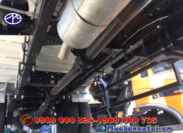 Xe tải Isuzu 8.2 tấn thùng bạt