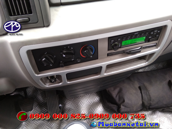 Nội thất xe tải Jac 2.4 tấn thùng kín