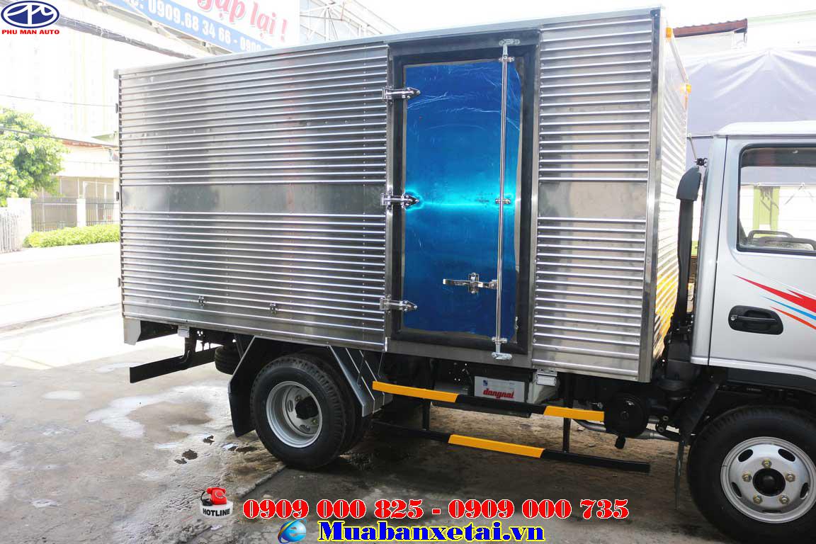 Cửa bên hông xe tải JAC 2.4 tấn Thùng kín