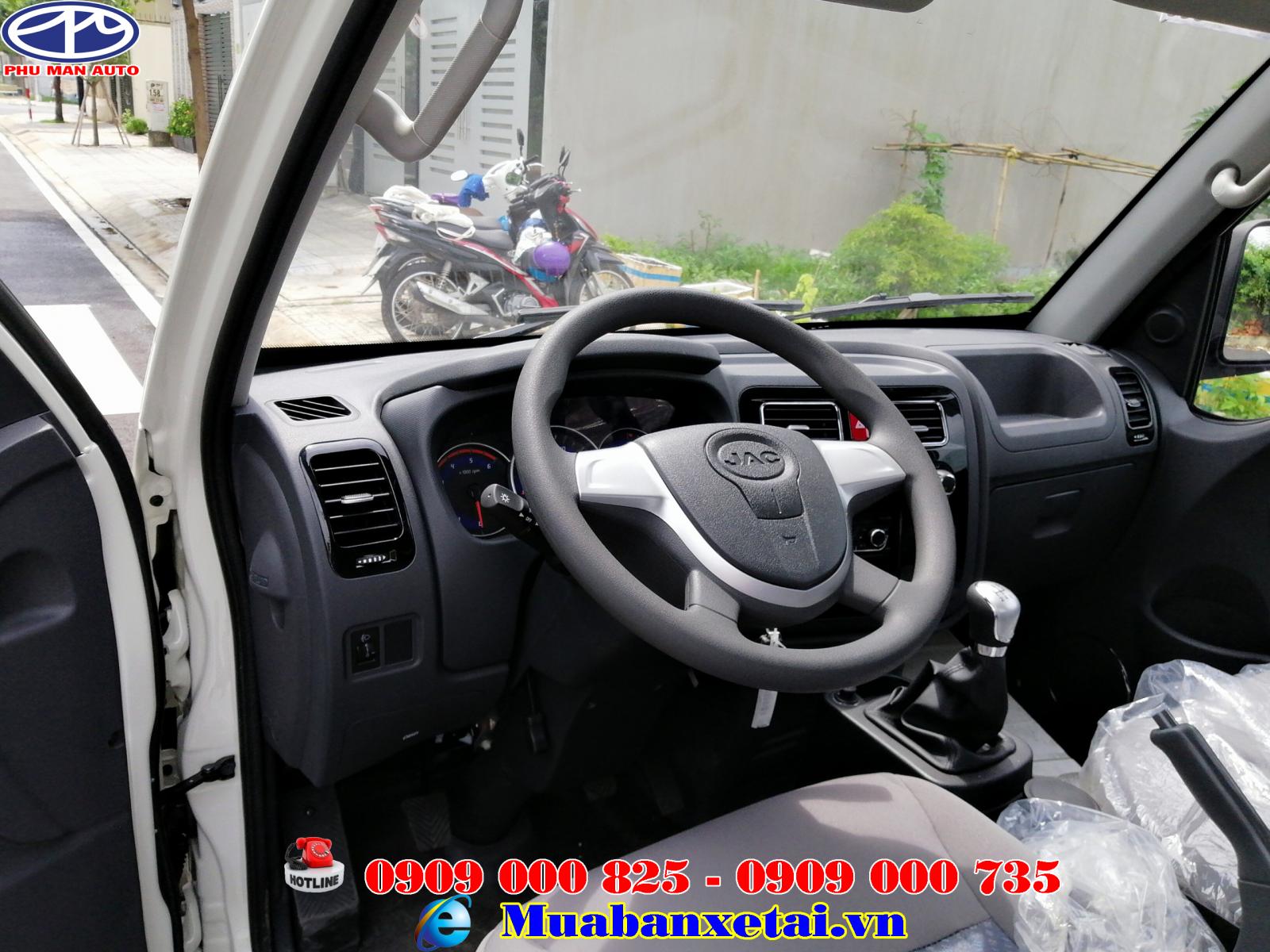 Xe tải Jac X5 mang một nội thất khá sang trọng theo kiểu xe du lịch