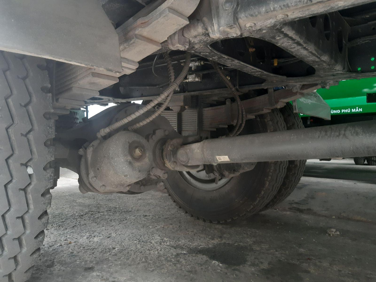 xe tai dongfeng b180 thung kin